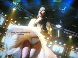Haifa Wahby singing while the wind blows her dress upwards, Marylin Monroe style. Foto 26 (Хайфа Уахби петь, когда ветер дует вверх ее платье Мэрилин Монро стиля. Фото 26)