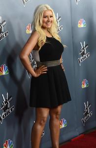 [Fotos+Videos] Christina Aguilera en la Premier de la 4ta Temporada de The Voice 2013 - Página 4 Th_985776487_Christina_Aguilera_15_122_222lo
