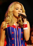 Carrie Underwood Rapidshare Foto 89 (Кэрри Андервуд  Фото 89)