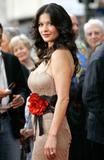 Catherine Zeta Jones EDIT: Added 1 Image 04/27/05 Foto 181 (Кэтрин Зэта Джонс EDIT: добавлено 1 изображение 04/27/05 Фото 181)