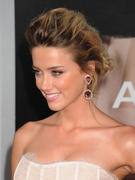 "صور Amber Heard - ""Salt"" Premiere in Los Angeles, July 19, 2010 *updated* th_41599_aMbErHeArDsAlTsCrEeNiNg071910nBs39_122_28lo.jpg"