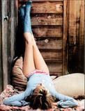 Daryl Hannah nice Legs 2X