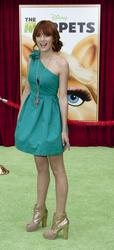 http://img16.imagevenue.com/loc518/th_595867698_Bella_Thorne_The_Muppets_Premiere_Hollywood_122_518lo.jpg