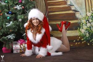 http://img16.imagevenue.com/loc532/th_531544310_silver_angels_Sandrinya_I_Christmas_1_088_123_532lo.jpg