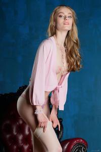 http://img16.imagevenue.com/loc63/th_542616216_tduid300163_Stunning_Queen_Rebecca_G_high_0020_123_63lo.jpg