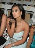 Kim Kardashian Miami Beach - July 14 Foto 99 (Ким Кардашиан Майами-Бич - 14 июля Фото 99)