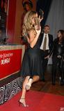 Gisele Bundchen Scans from VOGUE JAN 07 Foto 470 (Жизель Бундхен Сканы из VOGUE JAN 07 Фото 470)
